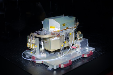 SWIR-spectrometer-with-SRON-immersed-grating-and-detector-front-end-electronics-courtesy-SSTL.png